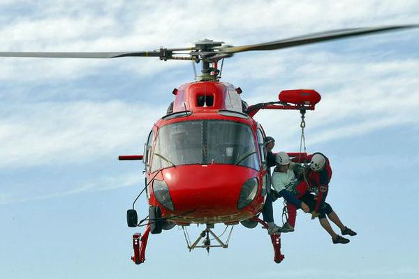 servicio-de-ambulancia-helicoptero-2