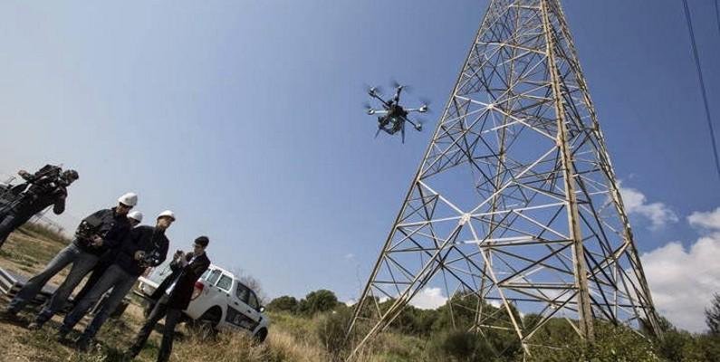 inspeccion-de-torre-con-drones